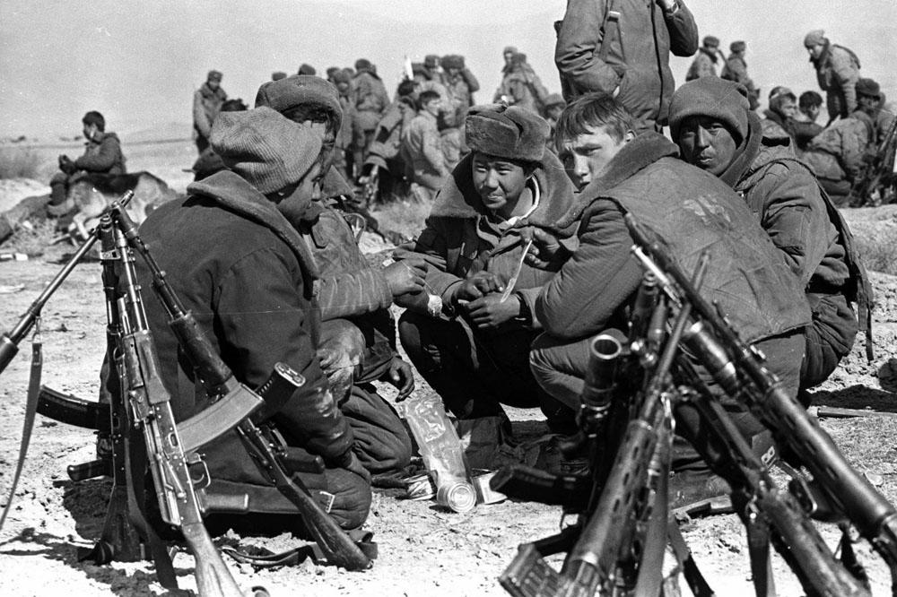 Soviet Afghanistan war - Page 7 Afgan_1_002